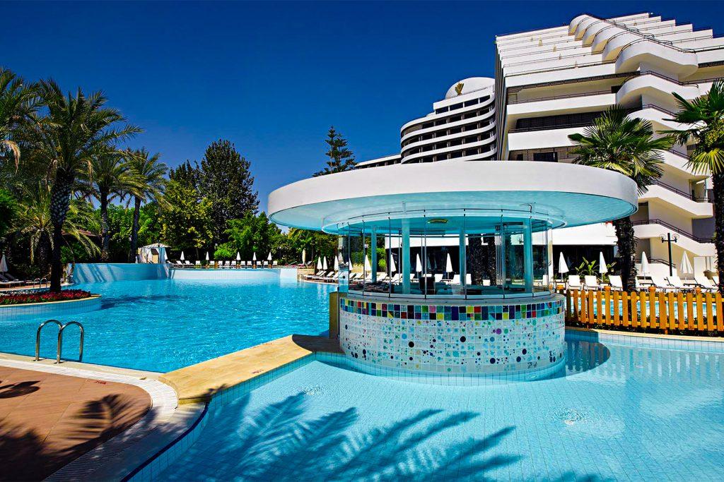 Swimming Pool - Facilities - Rixos Downtown